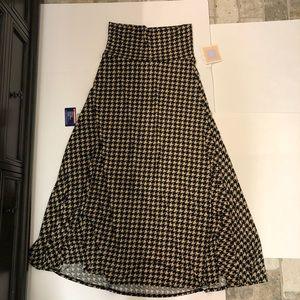 Lularoe Houndstooth Check maxi Skirt NWT M